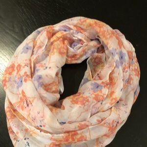 Wome's floral infinity scarf